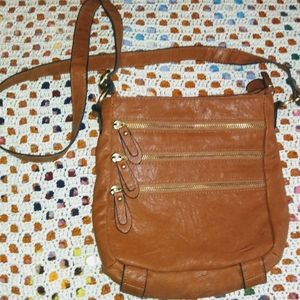 **[NEW!!]** BuEnO BaG!!  3 zipper brown crossbody